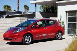 2011_nissan_leaf_red__medium