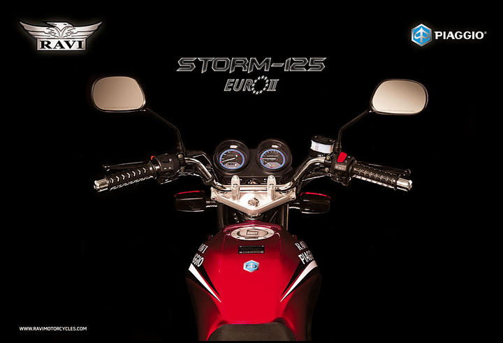 55961-ravi-piaggio-storm-125-vs-honda-cg125-dlx-ravi-storm-red02
