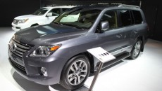 2012-Lexus-LX570-front-three-quarter-623x389