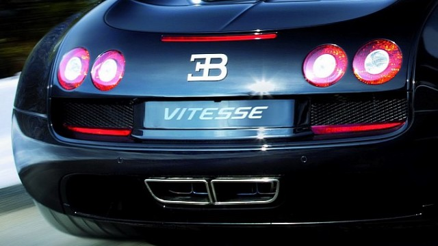 new-bugatti-veyron-grand-sport-vitesse-produces-1200-hp-medium_4