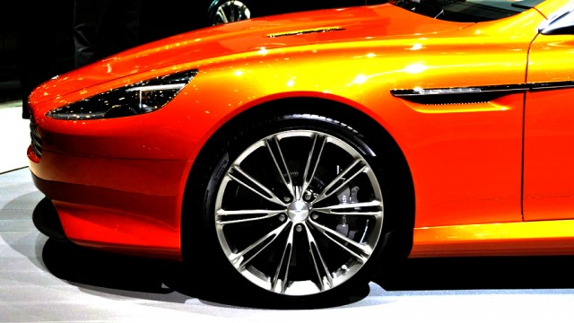 2012 Aston Martin Virage Images