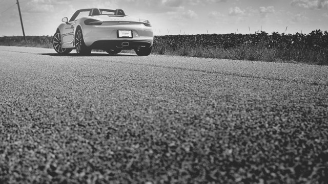 Porsche-Boxster-2013-Pictures