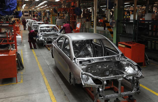 chinese-car-plant-assembly-line