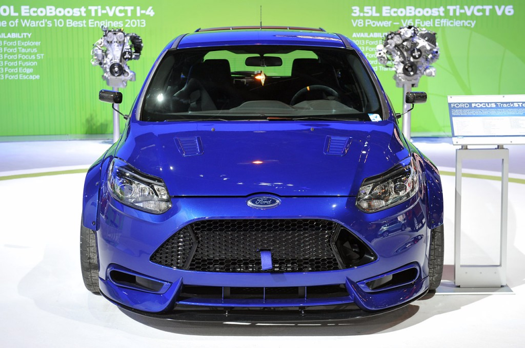 ford-focus-trackster-chicago-auto-show