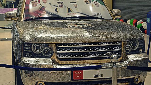 000-coins-car-range-rover