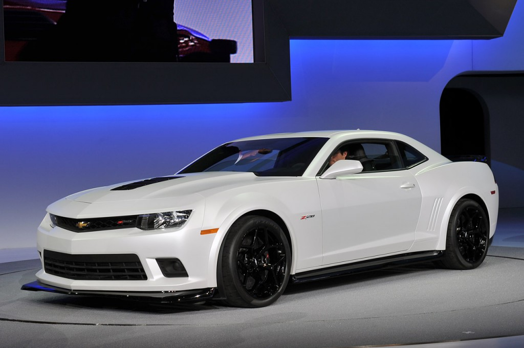 The new 2014 Chevrolet Camaro Z/28 and SS versions revealed
