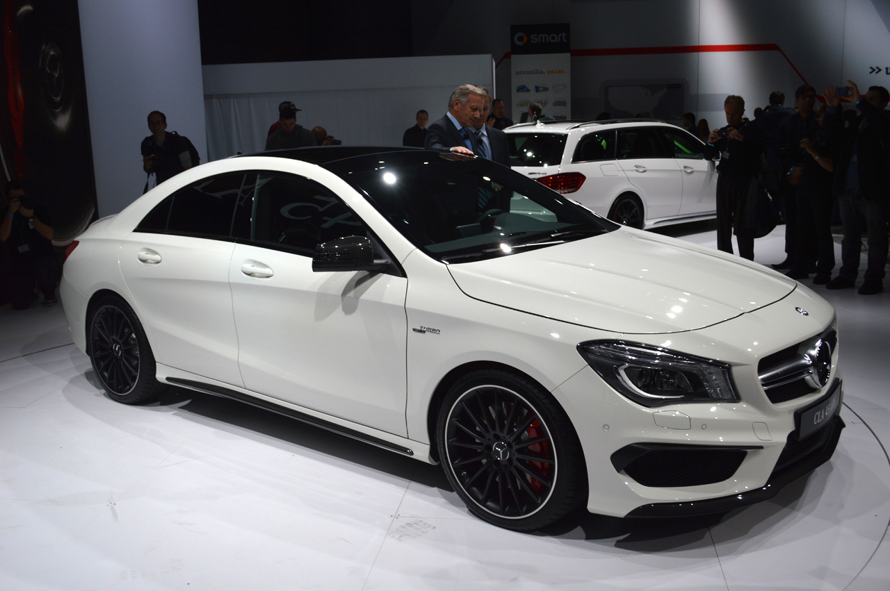 2013 ny auto show pictures pakwheels blog for Mercedes benz c45 amg
