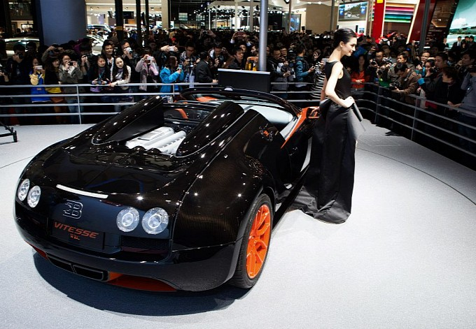 world record holding bugatti veyron vitesse wrc introduced in shanghai pakwheels blog. Black Bedroom Furniture Sets. Home Design Ideas