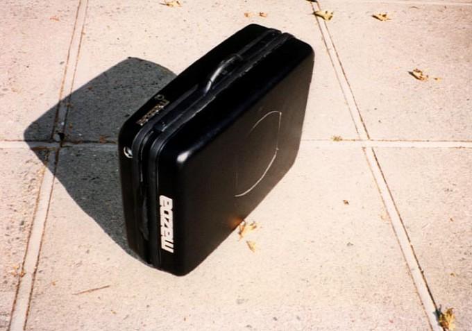 mazdas-folding-suitcase-car-medium_6