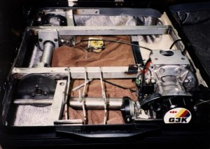 mazdas-folding-suitcase-car-medium_7