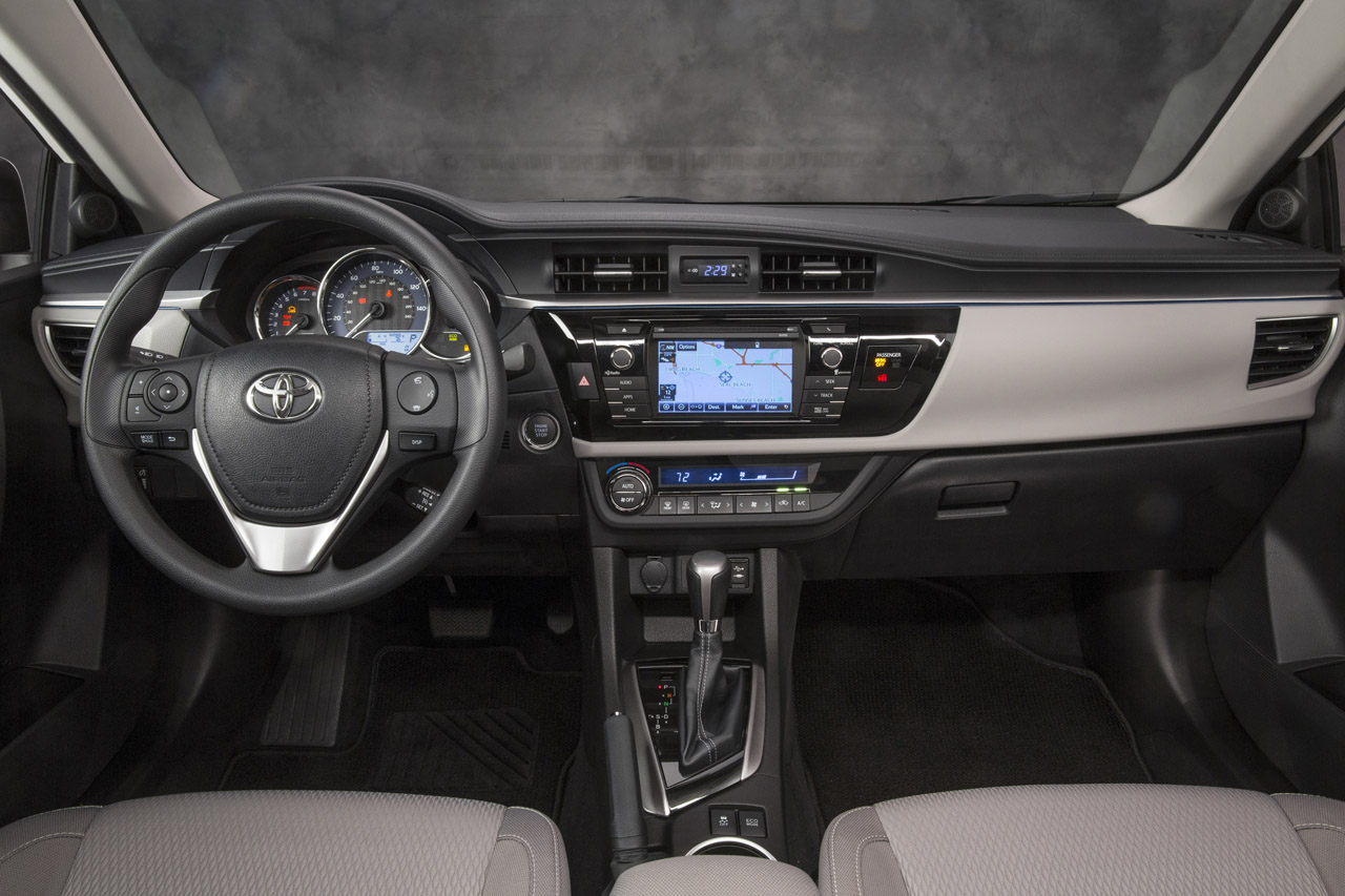 First pictures of the 2014 Toyota Corolla's front and interior
