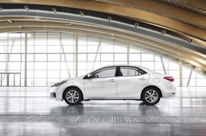 euro-spec-2014-toyota-corolla-revealed-photo-gallery-medium_13