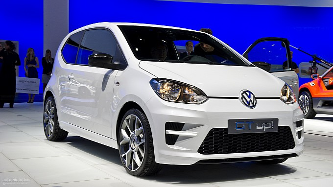frankfurt-2011-volkswagen-gt-up-concept-live-photos-medium_9