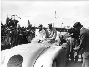 009-bugatti-veyron-grand-sport-legend