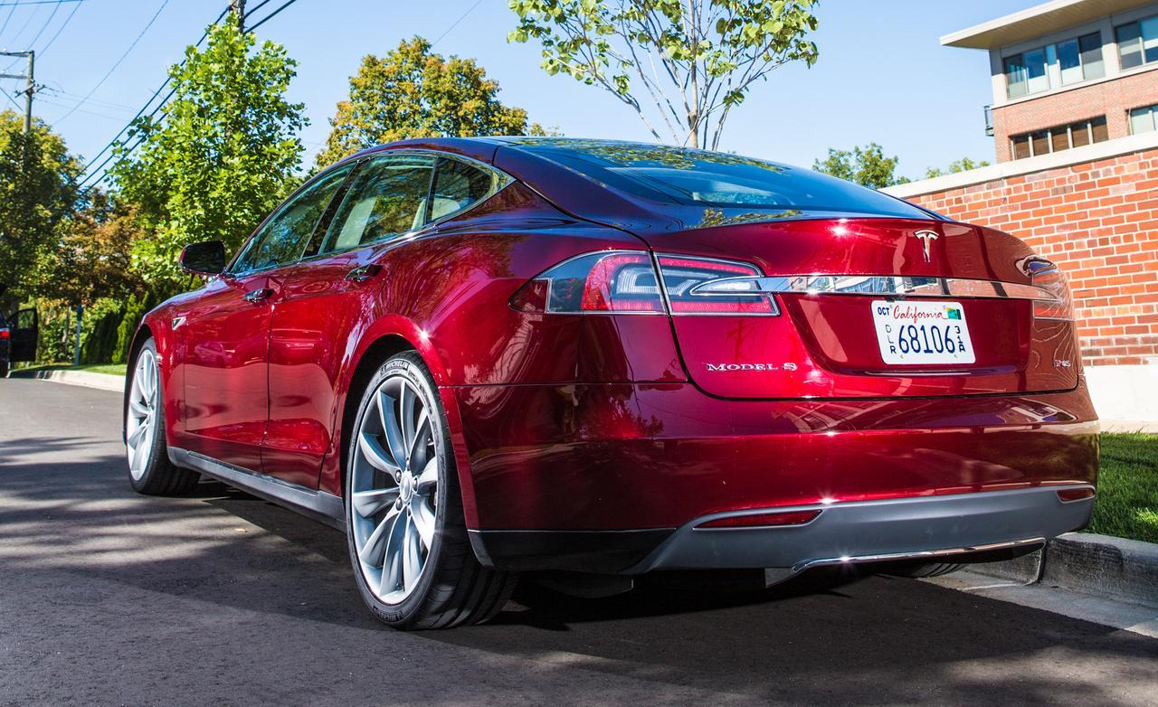 "Electric Vehicle Diaries: The Tesla ""Model S"" - PakWheels Blog"