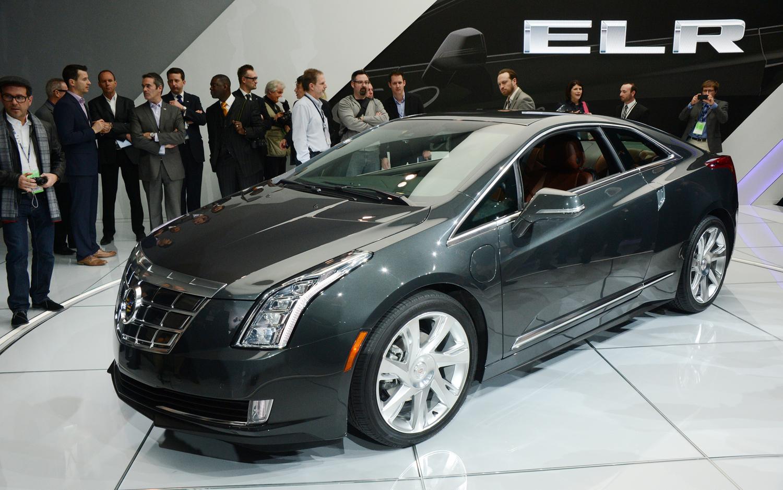 2014-Cadillac-ELR-front-three-quarter