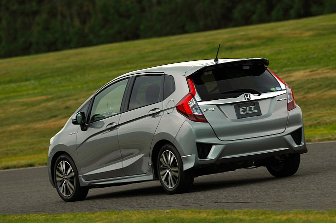 2014-honda-jazz-2015-honda-fit-photo-gallery-medium_11