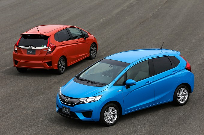 2014-honda-jazz-2015-honda-fit-photo-gallery-medium_15