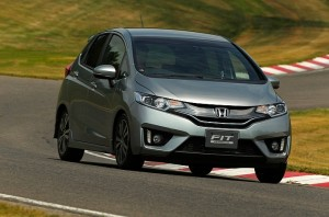 2014-honda-jazz-2015-honda-fit-photo-gallery-medium_3