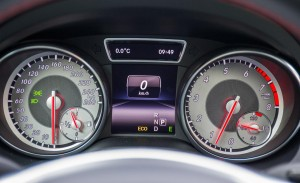2014-mercedes-benz-cla250-4matic-sport-instrument-cluster-photo-505806-s-1280x782