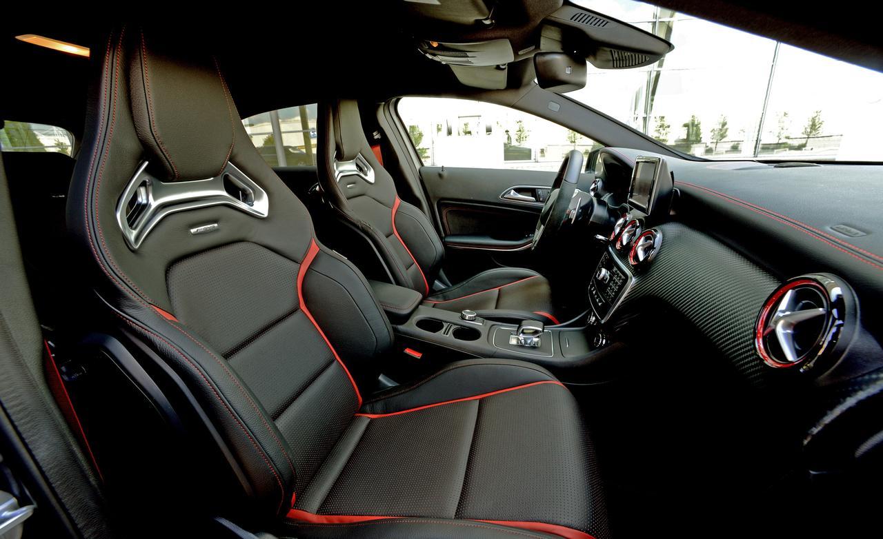 2014-mercedes-benz-cla45-amg-4matic-interior-photo-521148-s-1280×782