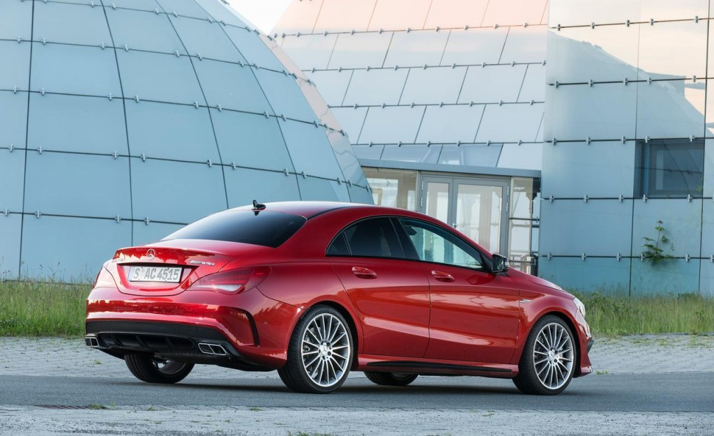 2014-mercedes-benz-cla45-amg-4matic-photo-521126-s-1280x782