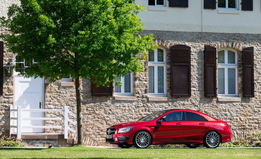 2014-mercedes-benz-cla45-amg-4matic-photo-521127-s-1280x782