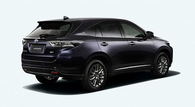 2014-toyota-harrier-first-photos-released-medium_3
