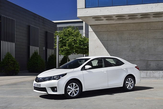 In pictures, the top model is the American Spec Corolla while the one