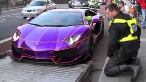 watch-the-police-seize-nasser-al-thanis-lamborghini-aventador-in-london-video-62296-7