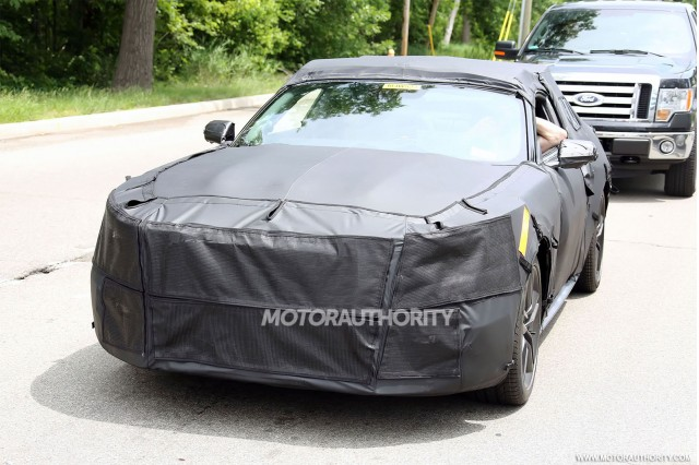 2015-ford-mustang-spy-shots_100430275_m