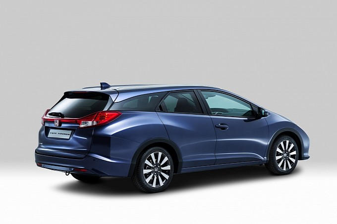 honda-presents-new-civic-tourer-ahead-of-frankfurt-debut-photo-gallery-medium_7