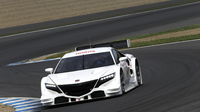 honda-reveals-nsx-concept-gt-photo-gallery-medium_9
