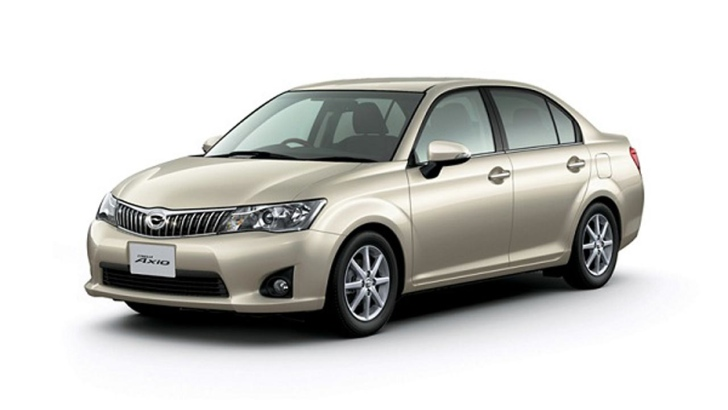 toyota-corolla-hybrids-launching-in-japan-64478_1