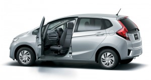 2014-Honda-Jazz-rotating-front-seat