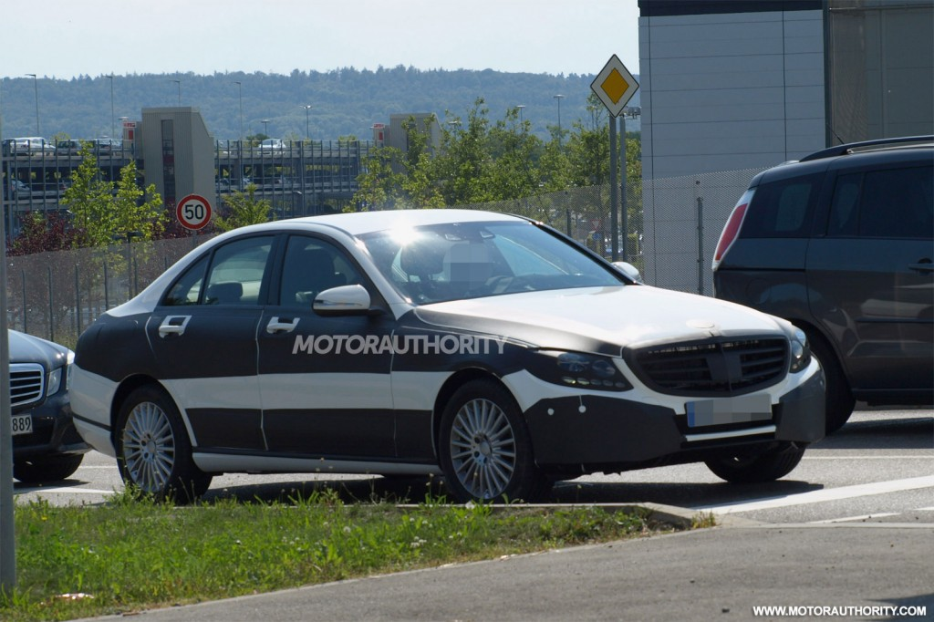 2015-mercedes-benz-c-class-spy-shots_100440474_l
