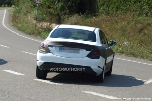 2015-mercedes-benz-c-class-spy-shots_100440481_l