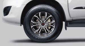 Toyota-Fortuner-TRD-alloy-wheel
