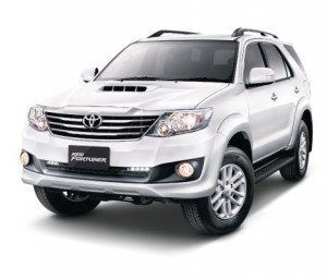 Toyota-Fortuner-front
