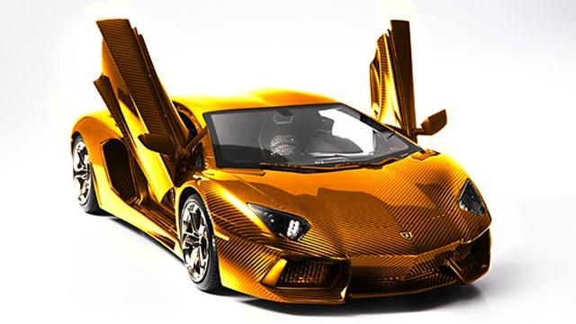 solid-gold-lamborghini-worth-75m-previewed-in-dubai_2
