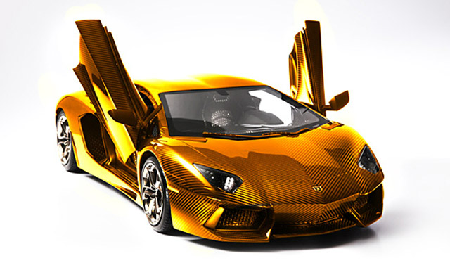 solid-gold-lamborghini-worth-75m-previewed-in-dubai_2