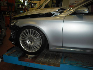 world-s-first-crashed-w222-s-class-is-up-for-sale-photo-gallery_10