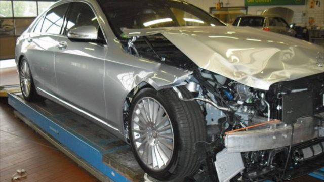world-s-first-crashed-w222-s-class-is-up-for-sale-photo-gallery_5