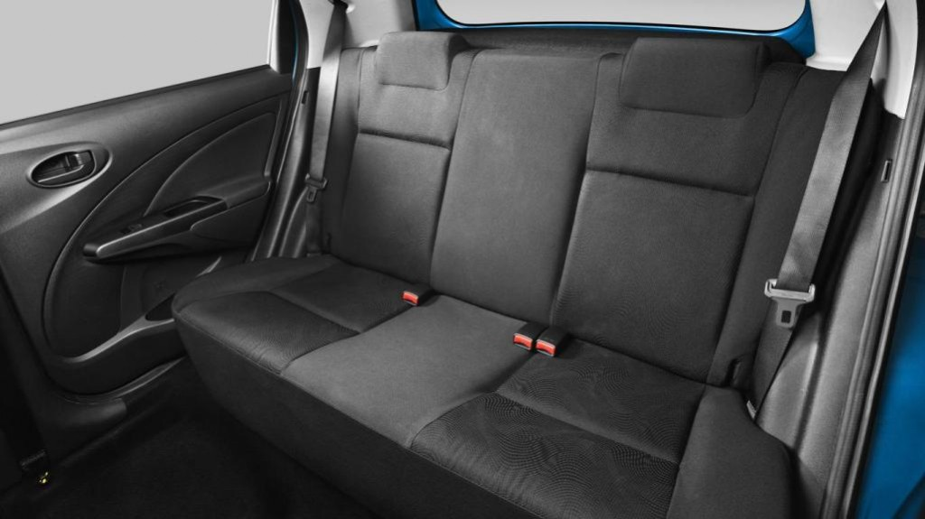 2013-Toyota-Etios-Valco-Interior-Images-1024×575