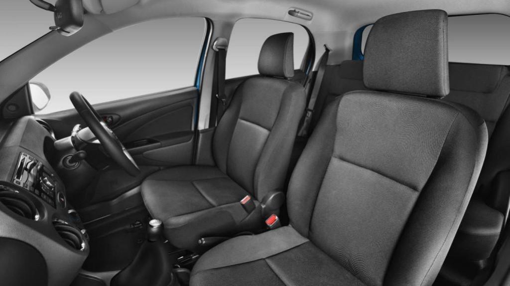 2013-Toyota-Etios-Valco-Interior-Pictures-1024×575