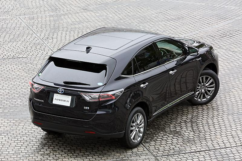 2014-Toyota-Harrier-rear