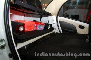 Tata-Nano-police-patrol-vehicle-first-aid-kit-and-torch-light-1024x682