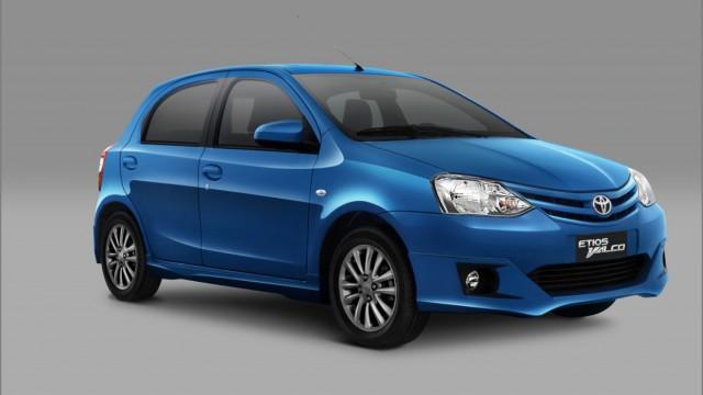 Toyota-Etios-Valco-warna-Biru