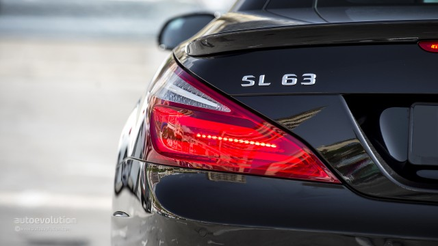 mercedes-benz-sl63-amg-review-2013-1080p-78