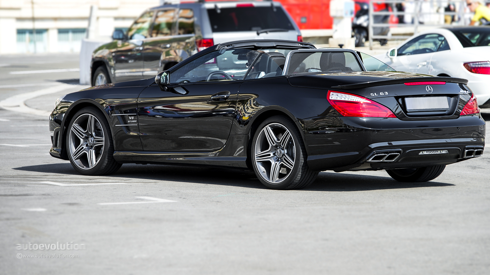 Pictures 2014 Mercedes Benz Sl63 Amg Pakwheels Blog
